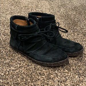 Women's Reid UGG Boot used but in good condition!